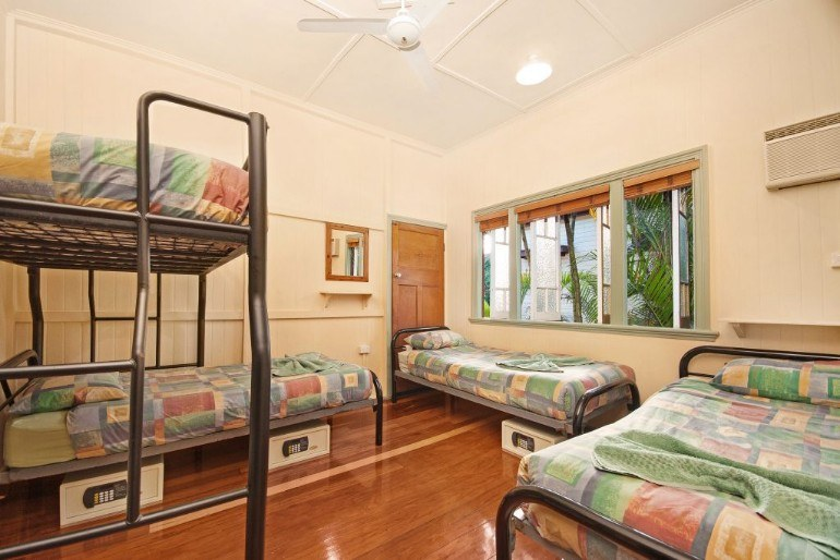cairns hostel four bed share